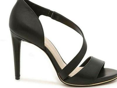 Brand new still in box Size 10 Kenneth Cole heels