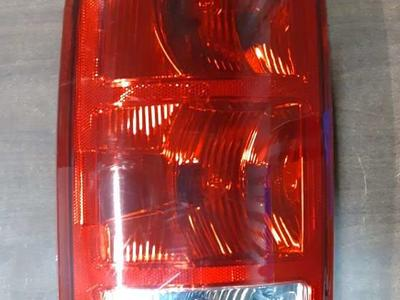 2002-2005 Dodge Ram Driver Side LH Tail Light Lamp