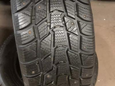 PAIR OF USED SNOW TIRES 205/60R16 MASTERCRAFT WINTER TIRE