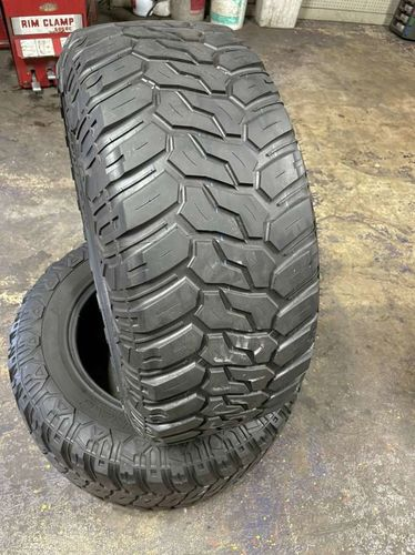 PAIR OF USED 33X12.50R18 MAXTREK MUDTRAC M/T for sale in Midvale , UT