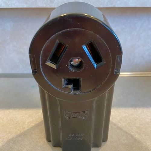 250V Surface Dryer and Power Receptacle for sale in Layton , UT