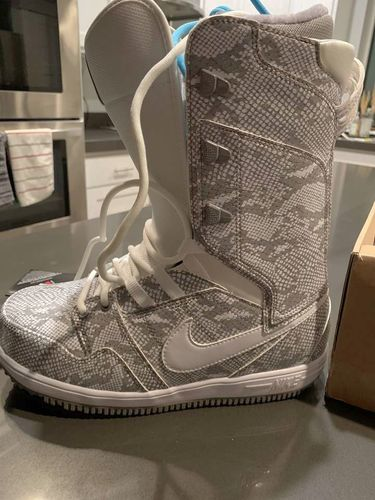 Woman's Size 9 Nike Vapen Boots for sale in Taylorsville , UT