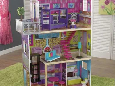 Brand New In The Box Doll  House