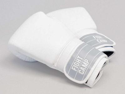 NEW FIGHT CAMP KIDS GLOVES 6 oz. Fits 12 years old.