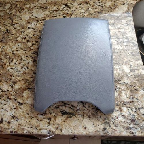 BMW X5 E53 center console arm rest leather cover for sale in South Jordan , UT