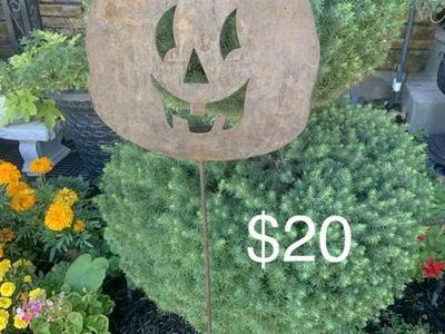 Metal Outdoor Pumpkin Decoration