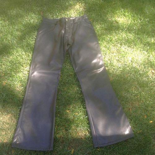 Polyvinyl Black  Pants size 7/8 for sale in Millcreek , UT