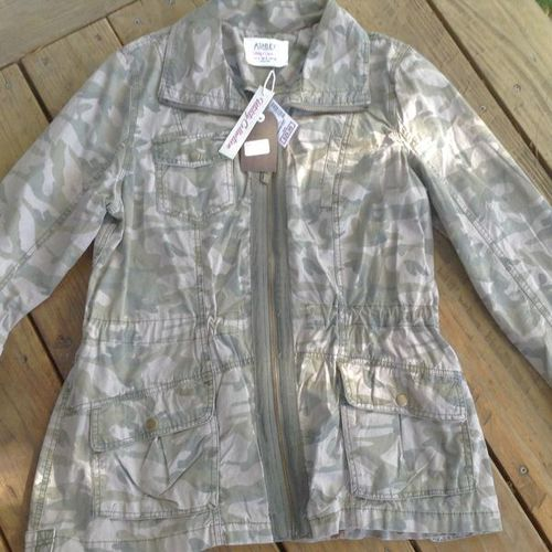 LARGE ASHLEY  CAMO W/TAG ON JACKET for sale in Millcreek , UT