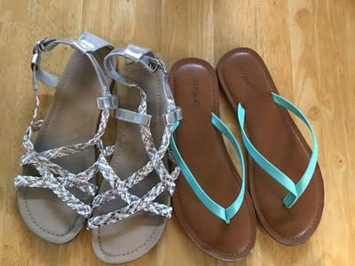 Children's place girls sandals size 3, cat and Jack sandals
