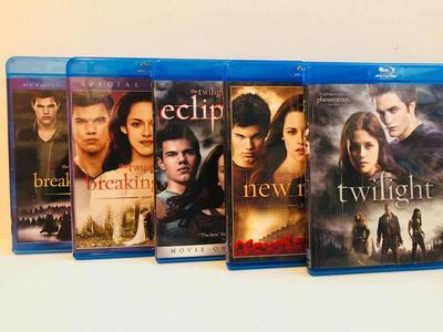 TWILIGHT BLURAY SET, all 5 movies,, excellent cond
