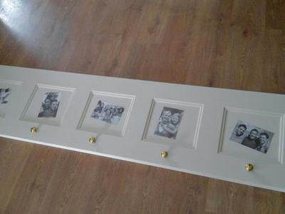 Horizontal 5 picture frame with coat knobs