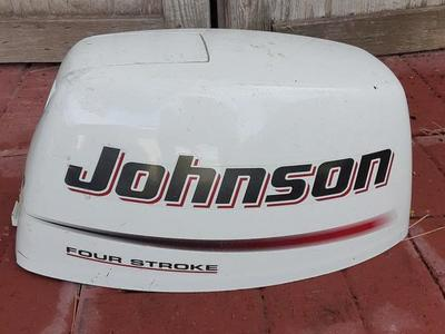 JOHNSON 9.9 4 STROKE MOTOR COVER.