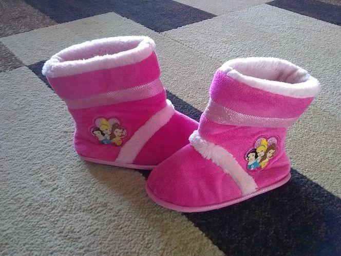 (Like New) Disney Princess Slipper Boots for sale in Riverton , UT