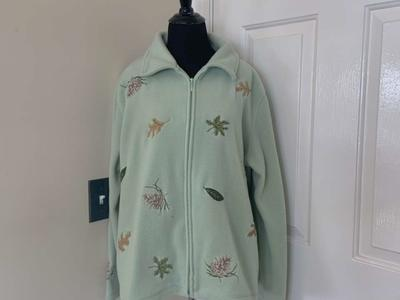 NorthCrest Holiday Lodge Green Zip Up Jacket XL