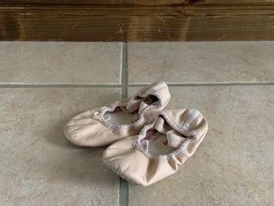 Capezio Ballet Pink Shoes Slippers Size 6N