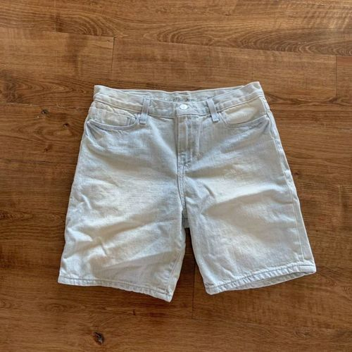 Calvin Klein White Wash Knee Shorts Size 27 for sale in Herriman , UT