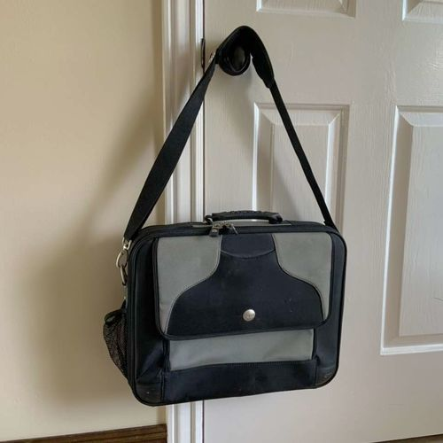 Dell Laptop Bag / Briefcase Style for sale in Herriman , UT