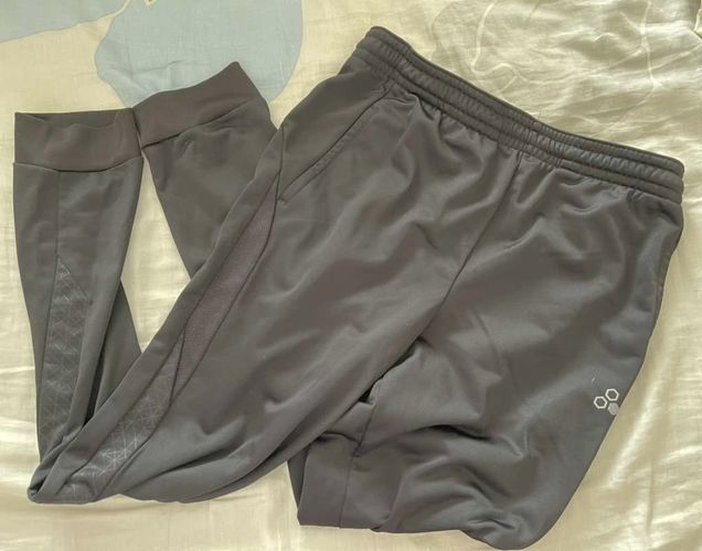 Joggers Size Youth XL for sale in Saratoga Springs , UT
