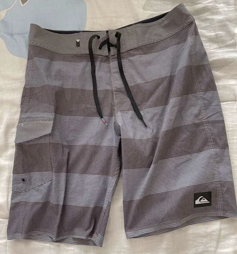 Quicksilver Swim Shirts Size 29 for sale in Saratoga Springs , UT