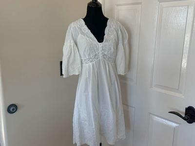 Vanessa Virginia White Lace Dress Size 4