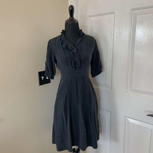 Banana Republic Black Ruffle 1940's Dress Size 0 for sale in Herriman , UT