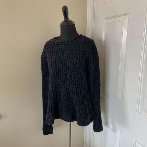 Hinge Black Crew Neck Sweater Size Small for sale in Herriman , UT
