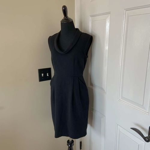 Ann Taylor Loft Black Dress Size 0 with Pockets for sale in Herriman , UT