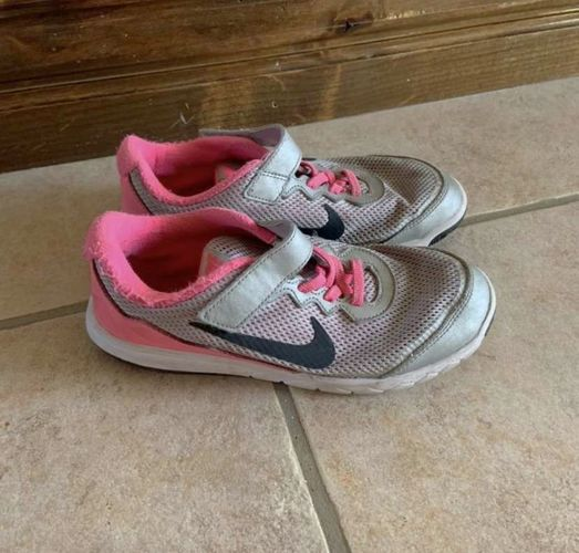 Nike Girls Pink and Grey Shoes Size 2Y for sale in Herriman , UT
