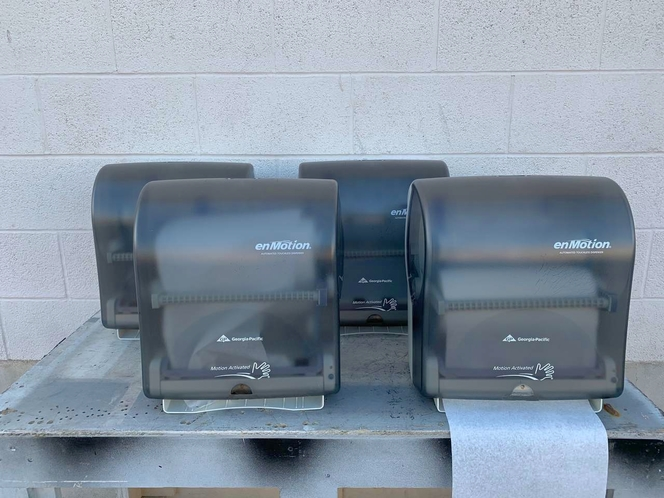 Georgia Pacific enMotion Automated Touchless Paper Towel Dispensers - Motion Sensing - Good Used Condition for sale in Salt Lake City , UT