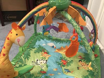 FISHER PRICE RAINFOREST MELODIES & LIGHTS DELUXE GYM MAT