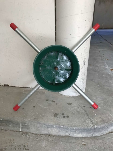 ULTRA FRESH STURDY CHRISTMAS TREE STAND UP TO 7 FEET for sale in Sandy , UT