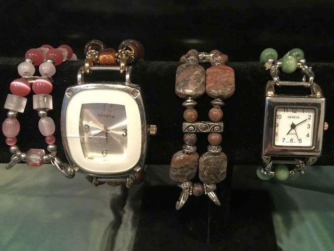 2 WATCHES 4 INTERCHANGEABLE BANDS for sale in Sandy , UT