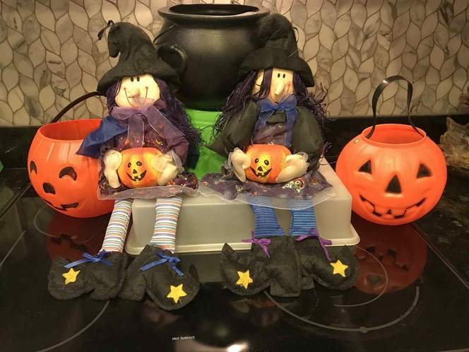 HALLOWEEN TRICK OR TREAT BUCKETS & 2 HANGING WITCHES & LIME GREEN CANDY BASKET for sale in Sandy , UT