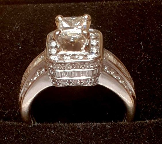 Exceptional 4 carat(total) diamond ring for sale in Layton , UT