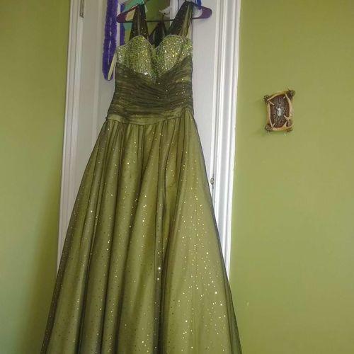 Prom dresses for sale in Ogden , UT