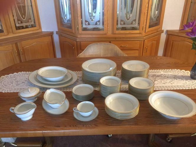 Noritake 5291 Guilford 96 Piece China Set for sale in sandy , UT