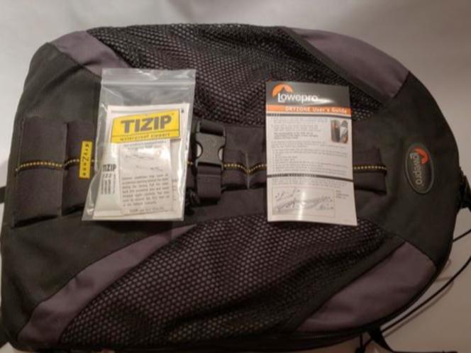 Lowepro Dryzone DZ 200 - New for sale in Centerville , UT