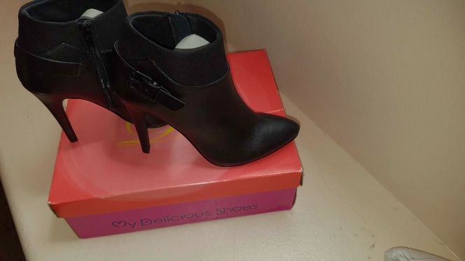 Size 6 ankle boots, NEW for sale in Salt Lake City , UT