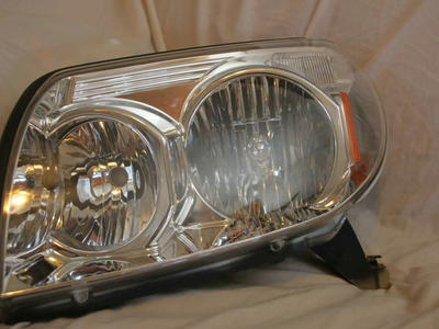 2003-2005 Toyota 4Runner Drivers OEM Headlight