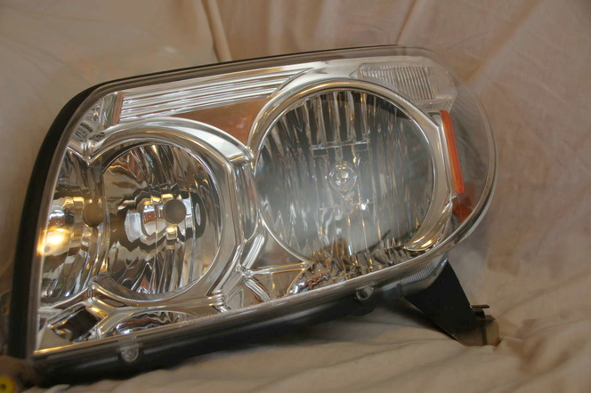 2003-2005 Toyota 4Runner Drivers OEM Headlight for sale in Cedar City , UT