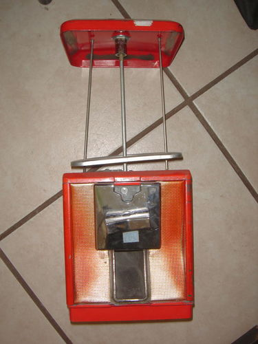 VINTAGE 25 CENT CANDY VENDING MACHINE WITH KEYS for sale in Salt Lake City , UT