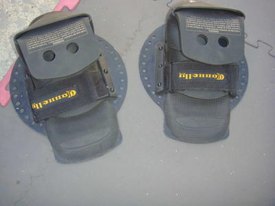 vintage connelly wakeboard surfy style bindings