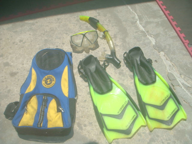 US DIVERS SNORKLE SET SIZE 10 TO 13 FINS MASK AND BAG for sale in Millcreek , UT