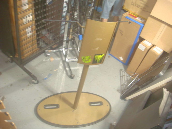 RARE BURTON UNINC SNOWBOARD STAND THAT HOLDS 2 BOARDS for sale in Millcreek , UT