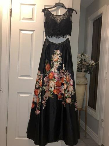 Prom Dress Size 4 for sale in Sandy , UT