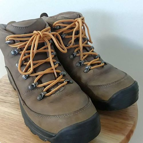 MONTRAIL HIKING BOOTS for sale in Bountiful , UT