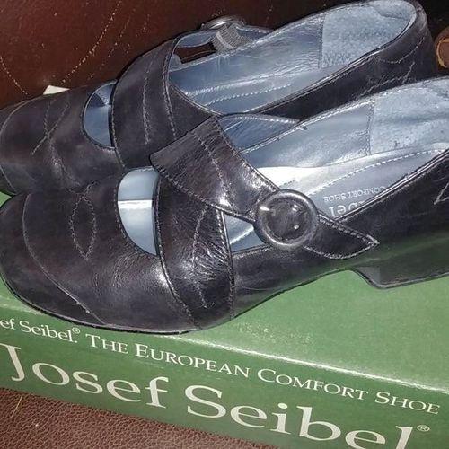 Josef Seibel Black Soft Leather Mary Jane 7.5 for sale in West Jordan , UT