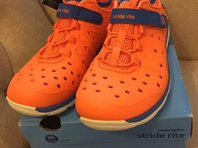 Stride Rite Made 2 Play Phibian Water shoes 13 Boy