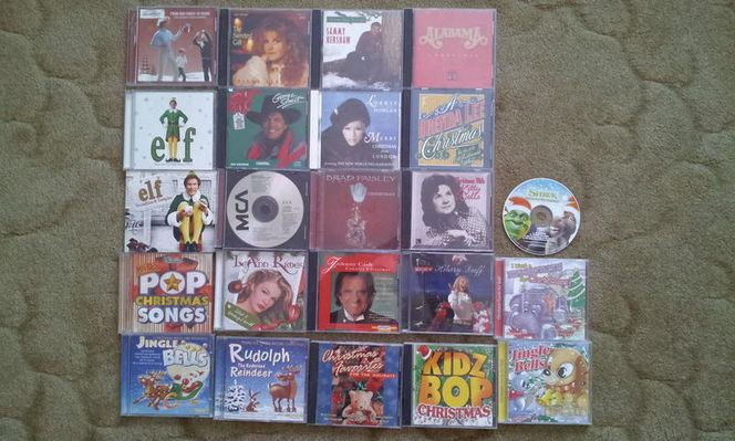 17 Christmas CDs Country Plus for sale in Kaysville , UT