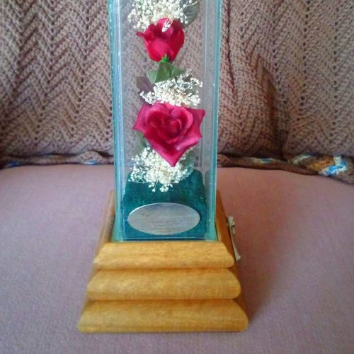 New Roses 🌹 Music Box Decoration for sale in Kaysville , UT